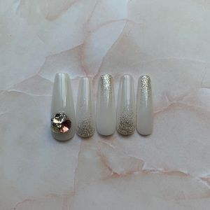 Custom glitter ombré press-on nails